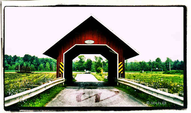 Guthrie covered bridge, Edoin, Eastern Townships, Quebec