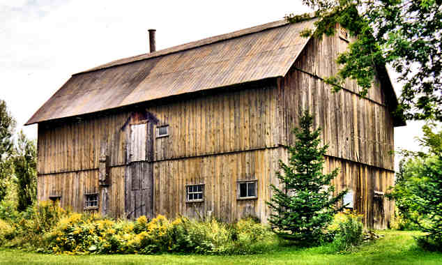 A barn in Eastern Townships, Quebec