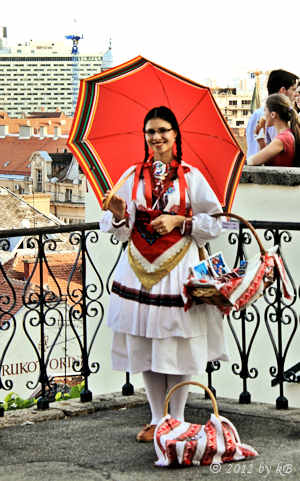 Folk costume from Sestine. Souvenirs and info.